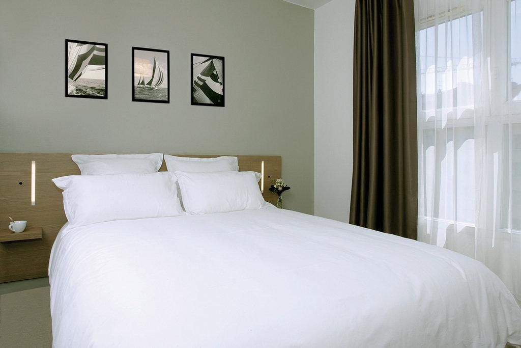 Appart City Cherbourg Hotel A Cherbourg Octeville In 2020 Home Decor Hotel Home