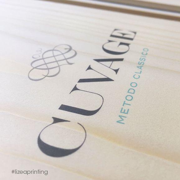 Stampa digitale personalizzata per questa splendida confezione regalo per Magnum di #Spumante #Cuvage.  #lizeaprinting