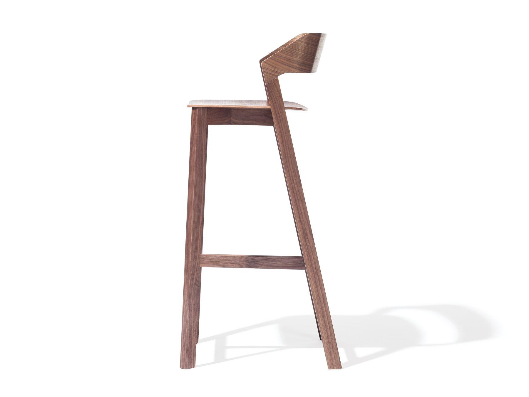 Silla alta de madera maciza con reposapi s merano for Sillas de cocina de diseno