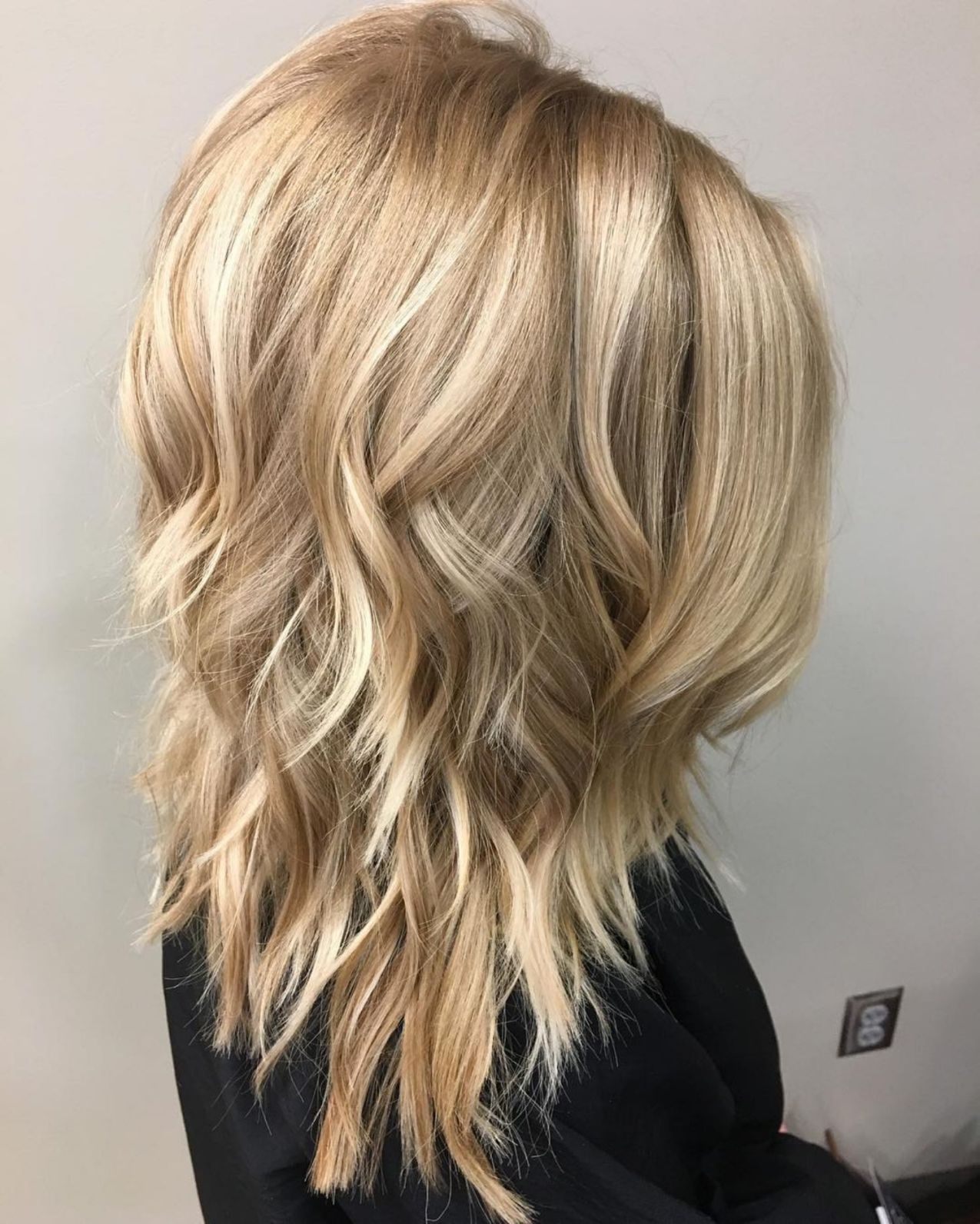 Shoulder Length Hairstyle With Medium Layers Hair Styles Long Hair Styles Haircuts For Medium Hair
