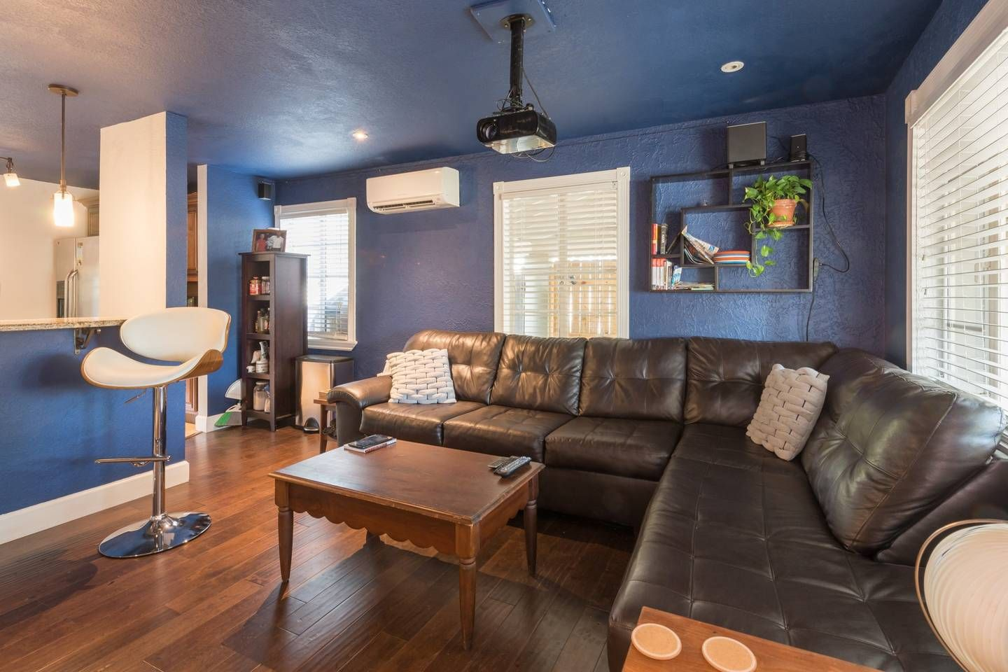 Entire Home Relax in walking distance to downtown 465