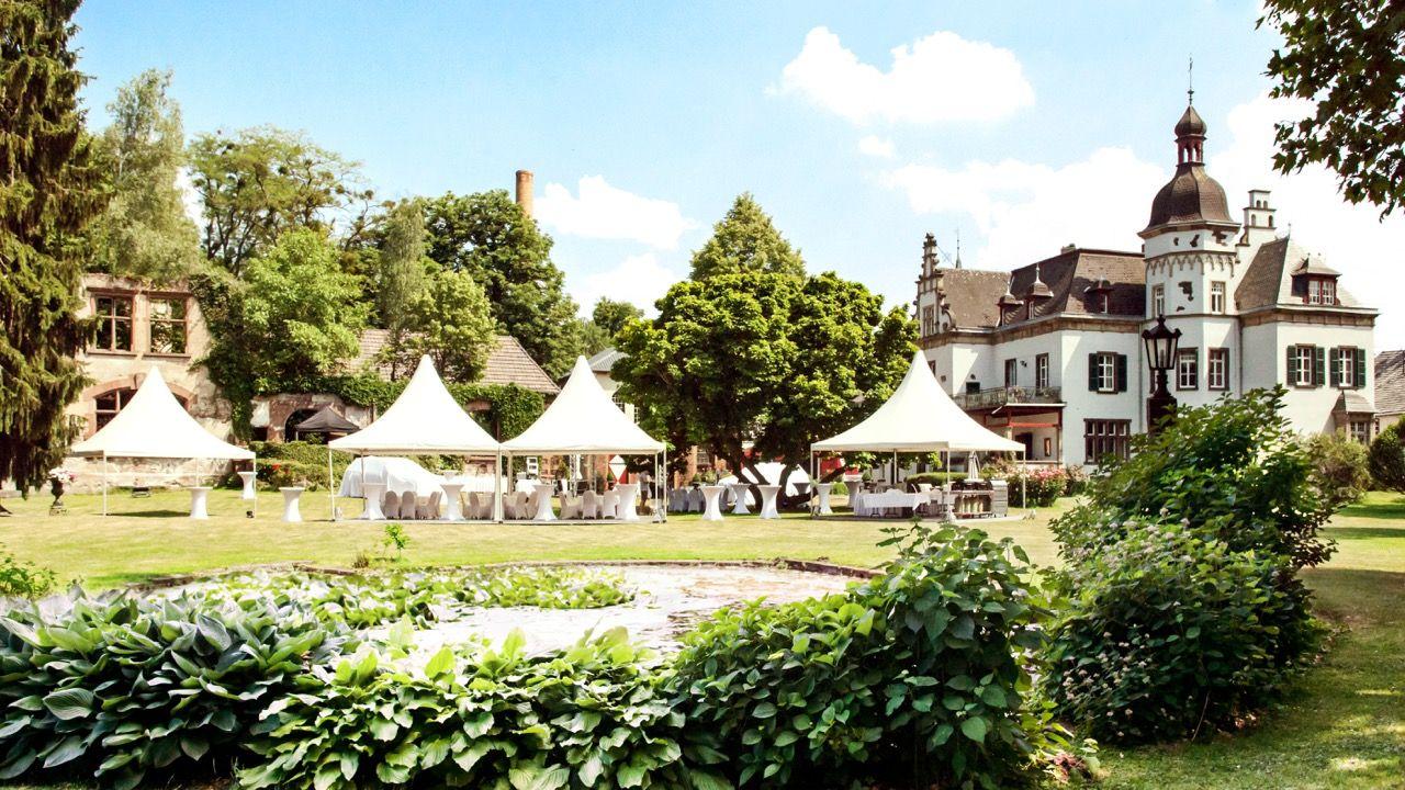 Simple Festzelte im Gr nen Hochzeitslocation wedding venue Rheinland Eifel Koblenz Gut