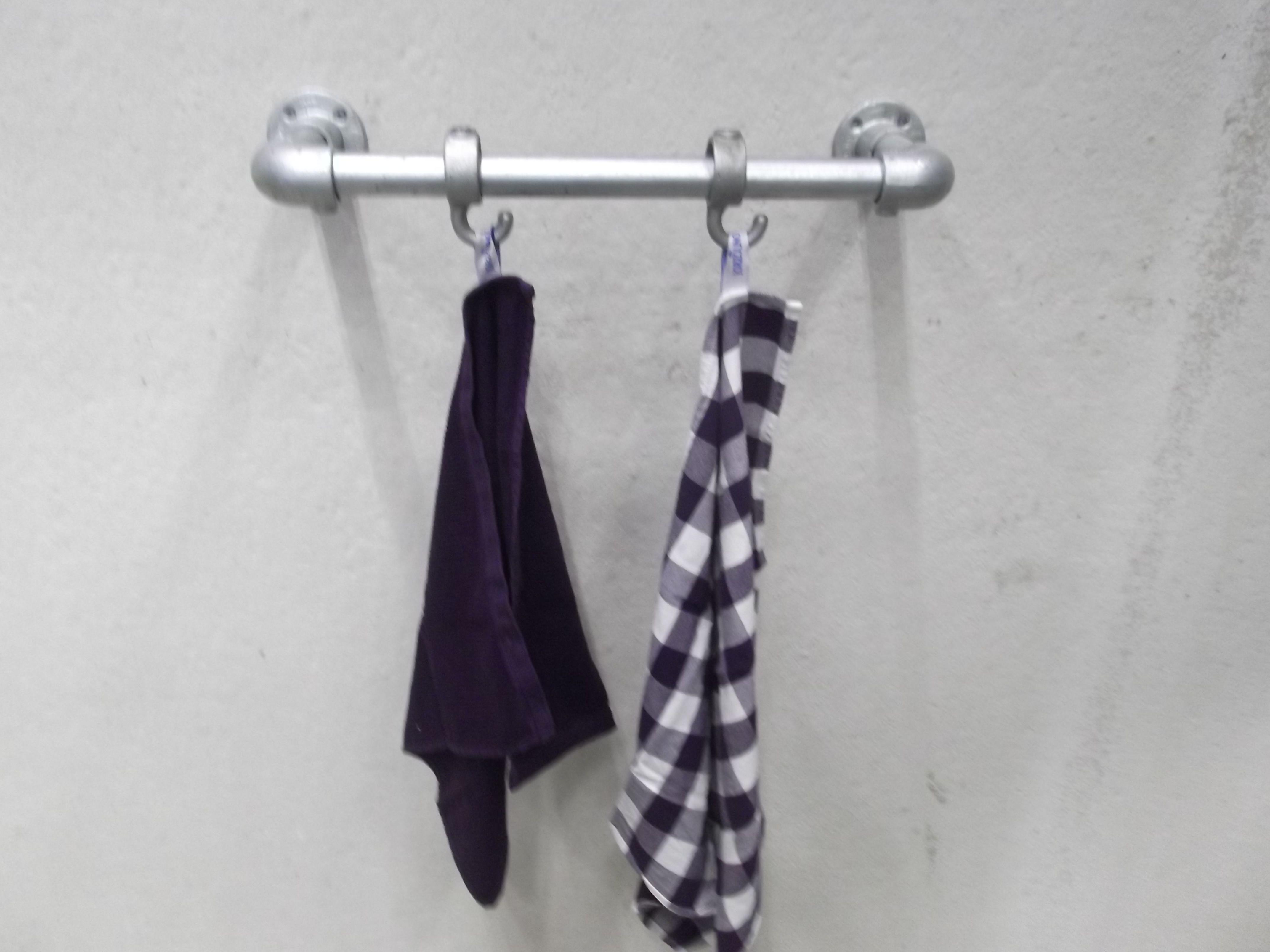 Het #steigerbuizen #handdoekenrek heeft een eigentijdse #design en