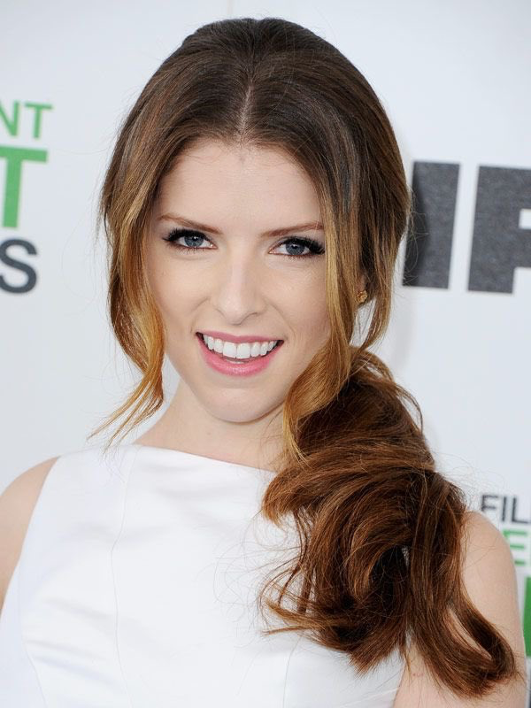 Anna Kendrick Hairstyles With Bangs Hair Tutorial Celebrity Hairstyles