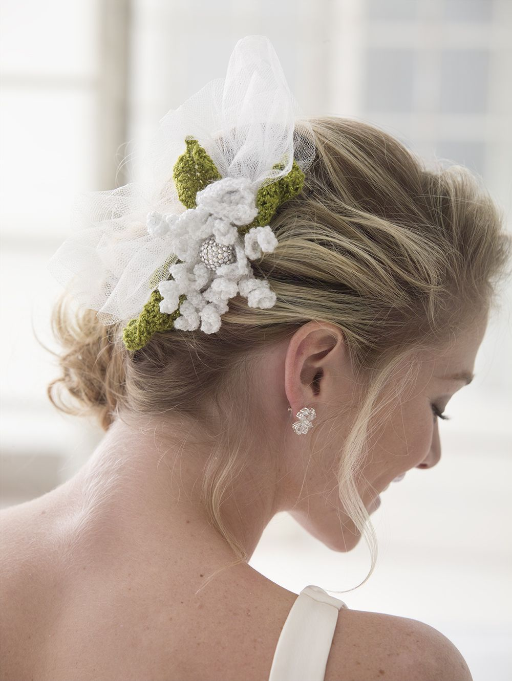 "say ""i do"" to this fabulous fascinator: free crochet flower"