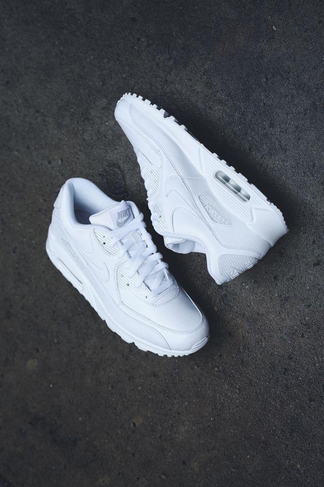 vans classic slip on - Reebok Classic Leather | White, Navy & Gum | Sneakers | Pinterest ...