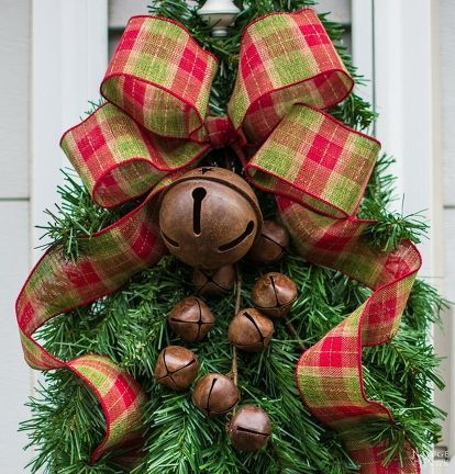 3 Ways to Repurpouse Your Faux Christmas Tree Xmas gifts