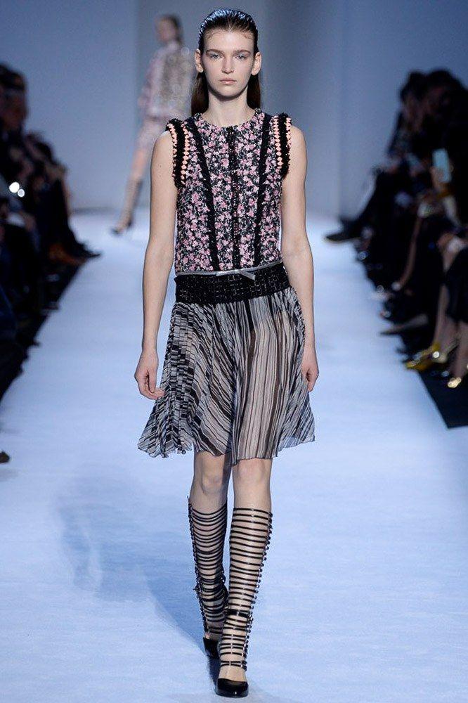 Giambattista Valli Fall 2016 Ready-to-Wear Collection Photos - Vogue