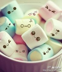 I want these happy marshmallows in my hot chocolate!