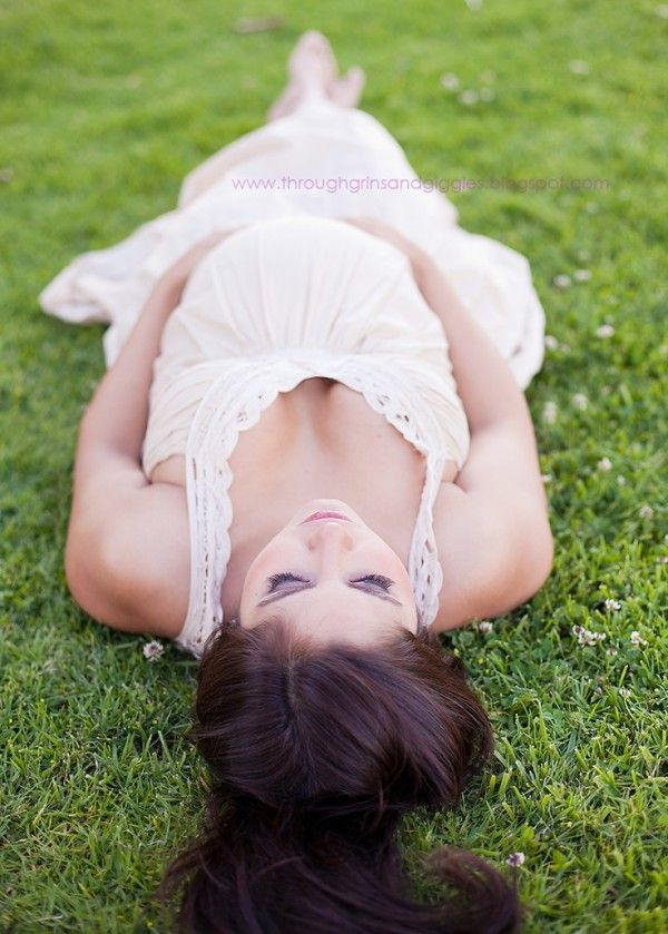 Amazing Maternity Photography Ideas And Poses 14