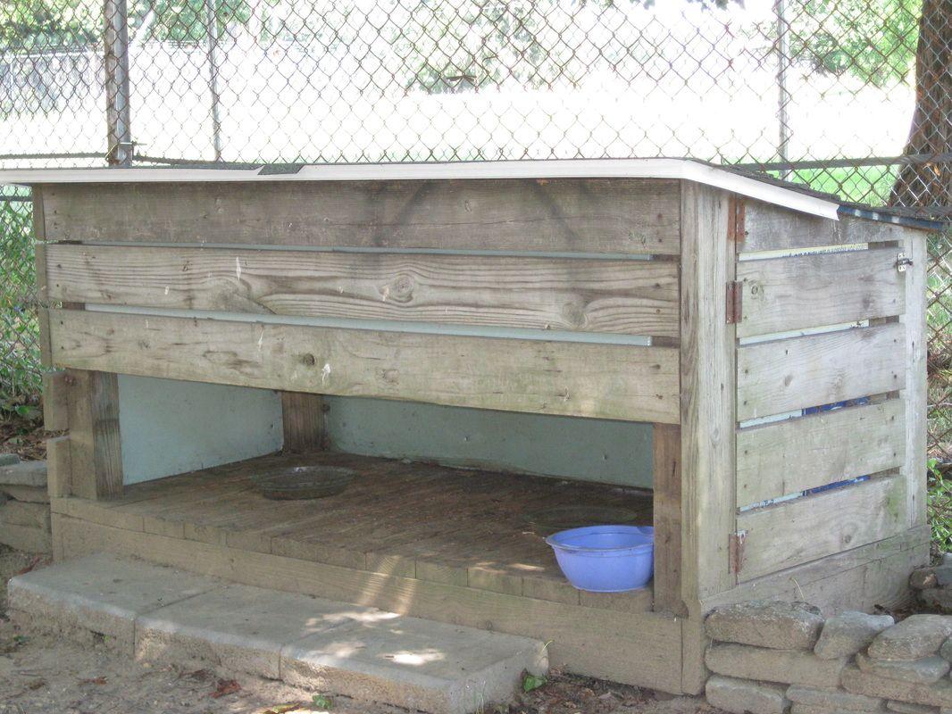 Pet DIY Shelter Feeding Station Cats Pallet Feeding