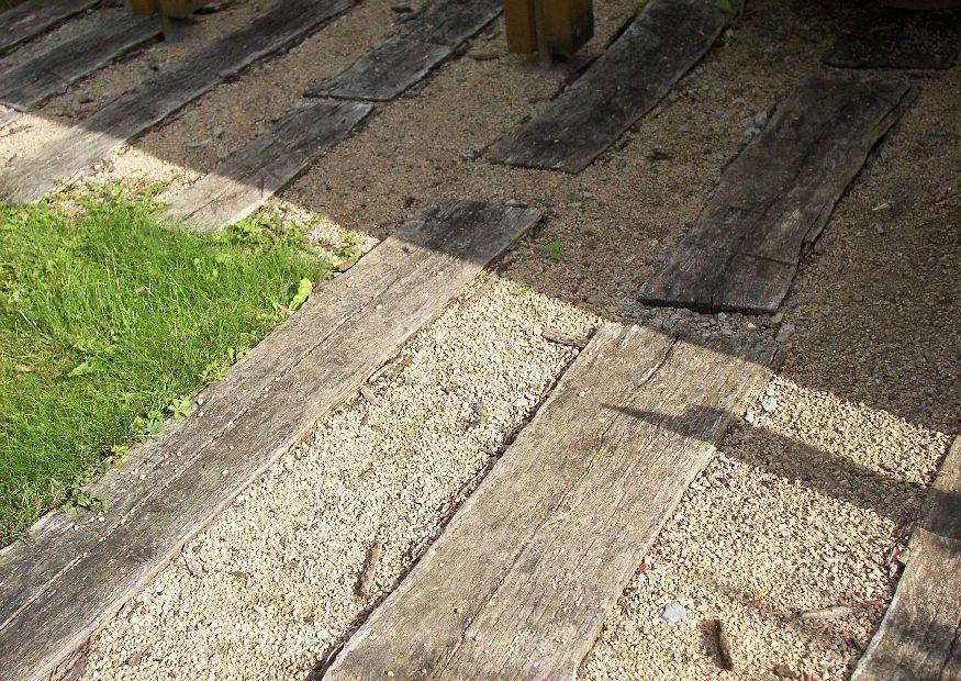 bahnschwellen und kies zufahrt garden patio pinterest zufahrten kies und weg. Black Bedroom Furniture Sets. Home Design Ideas