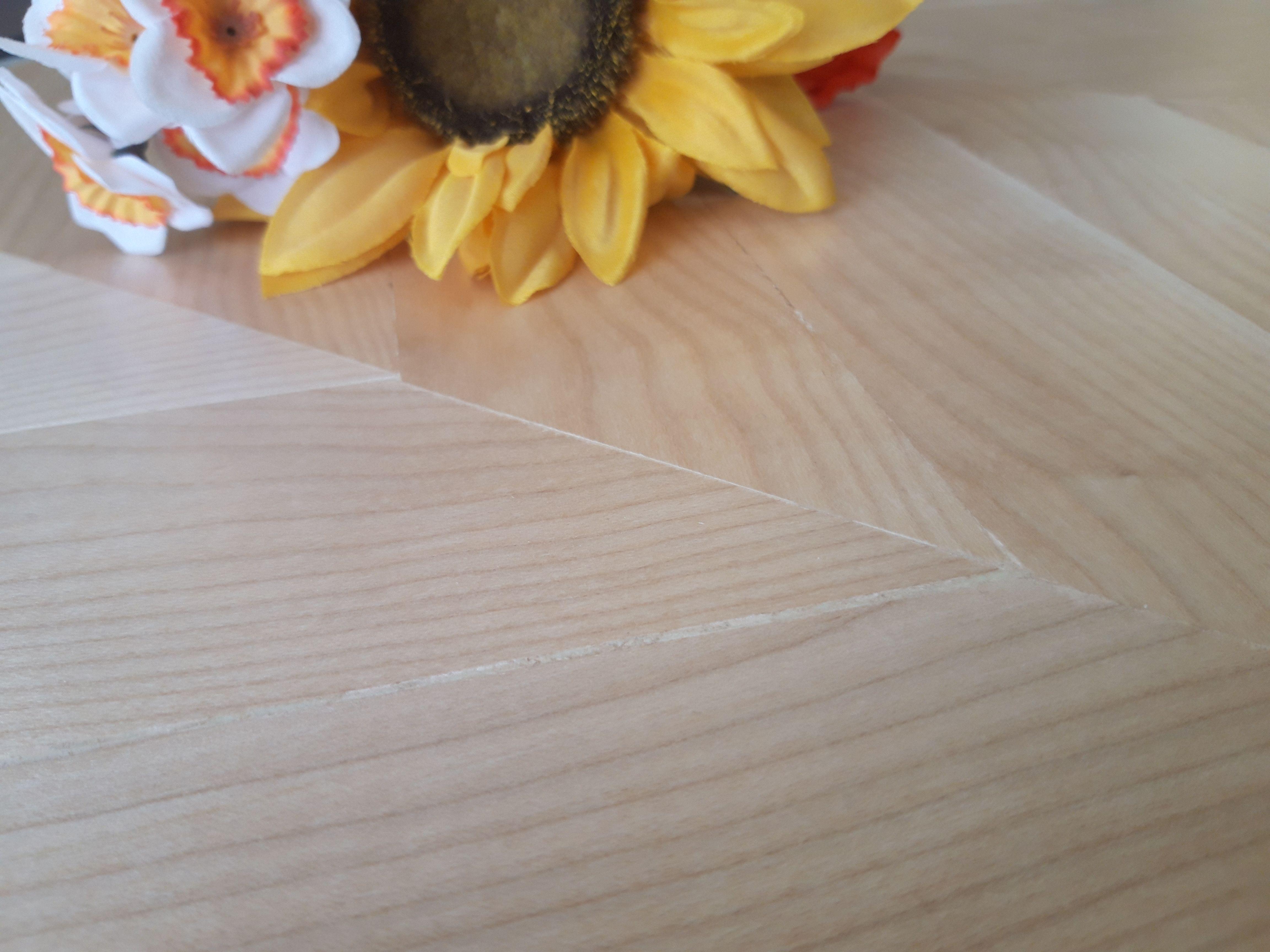 Parquet Sottile Sopra Pavimento la posa a spina di pesce per lamelle in legno chiaro per uno