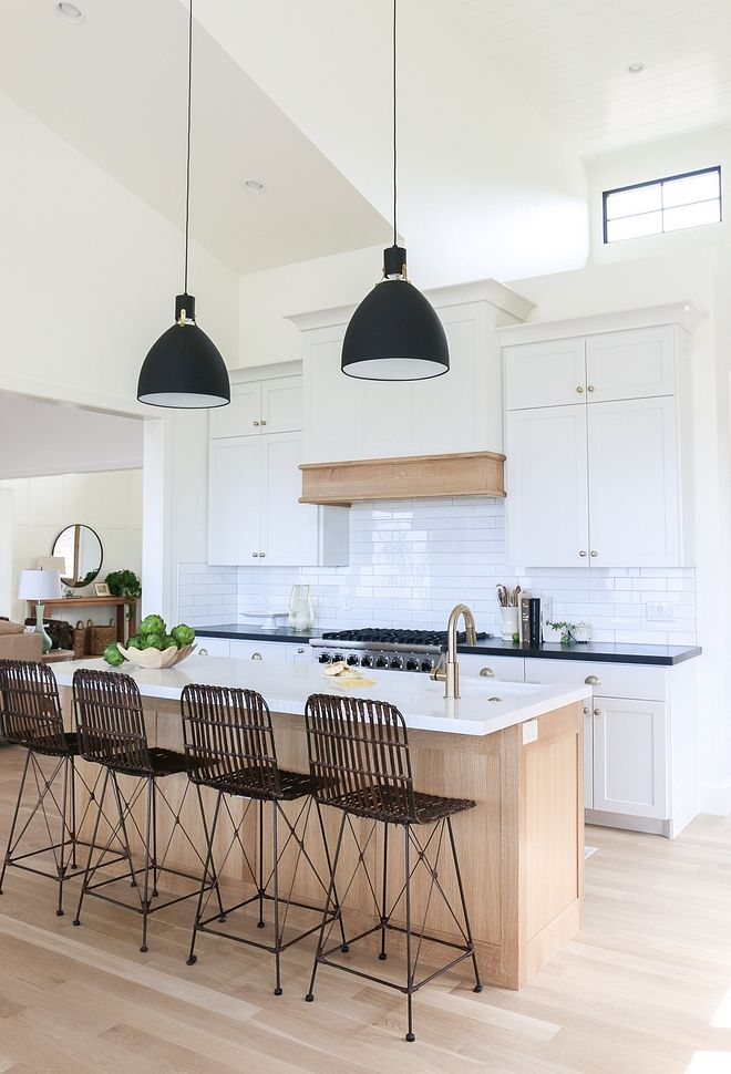 Benjamin Moore Simply White: Benjamin Moore Simply White Walls, Trim And Cabinets Are