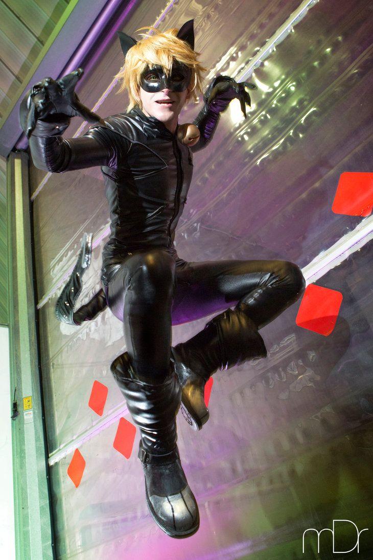 noir Female cosplay chat