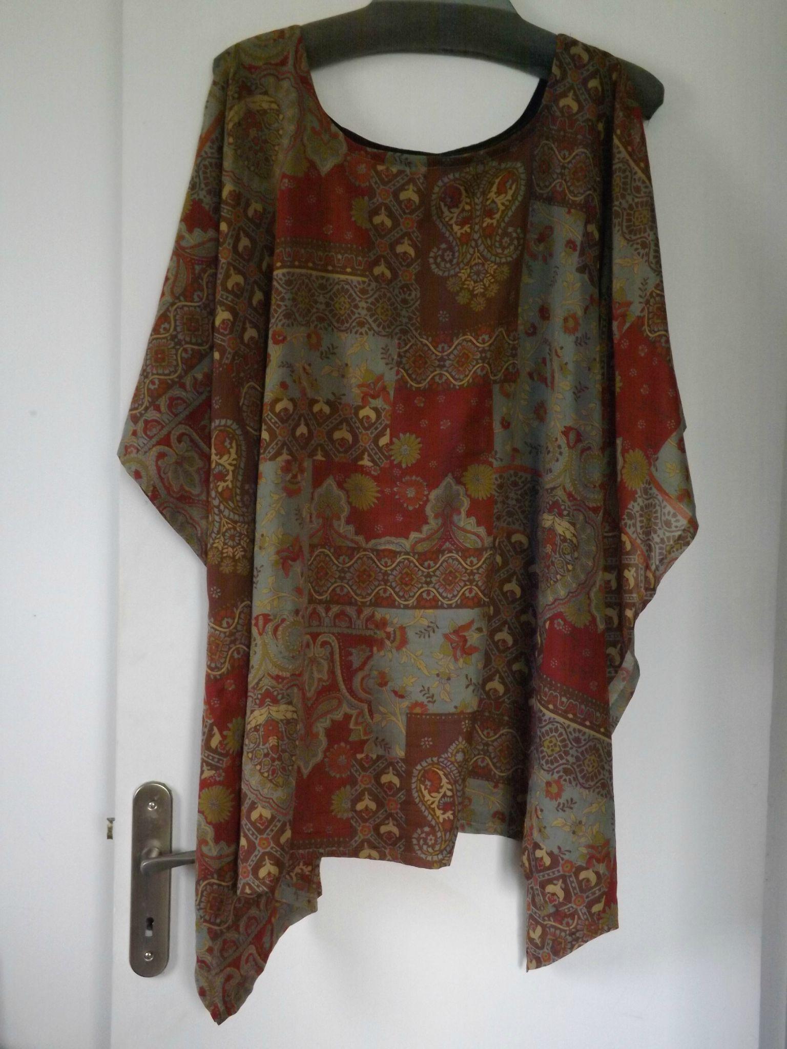 tuniques grande taille pas ch re les d cos de la flo couture pinterest tuniques grande. Black Bedroom Furniture Sets. Home Design Ideas