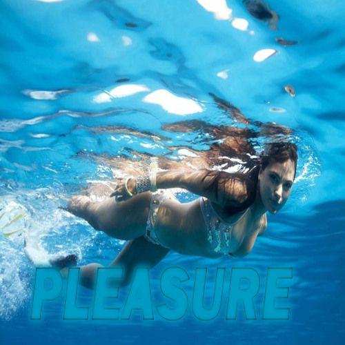Nude extreme sports — img 6
