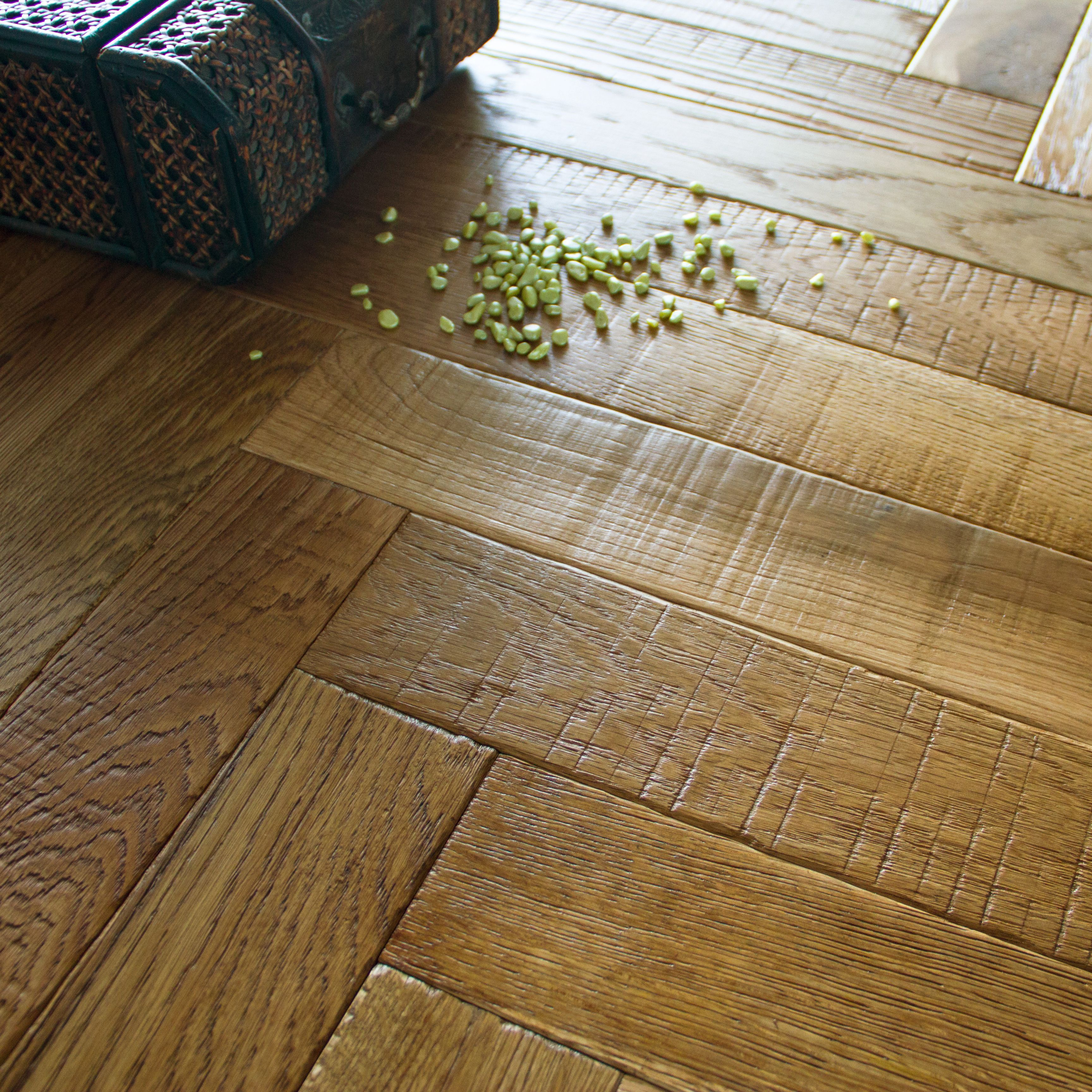 Vindemia Herringbone Natural Solid Oak Flooring Sample