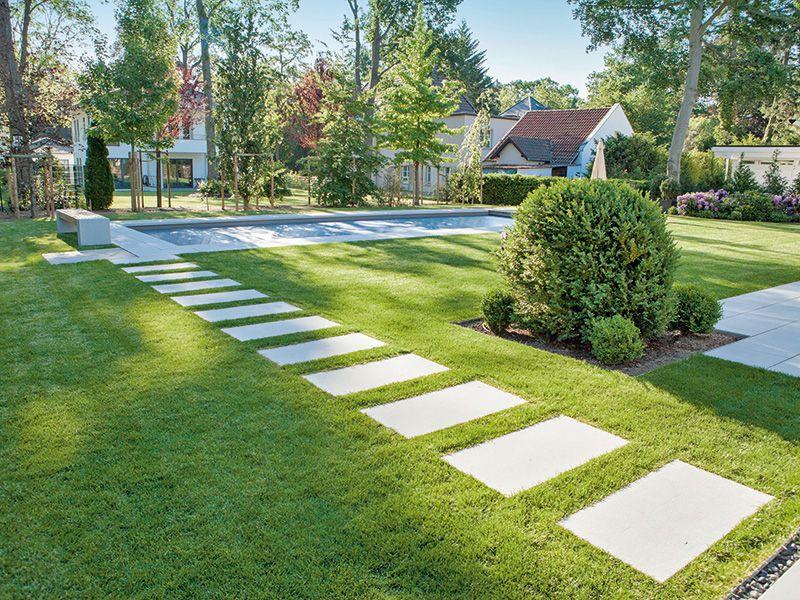 Bildergebnis Fur Trittplatten Rasen Grossformat Garten Garten Landschaftsbau Garten Terrasse