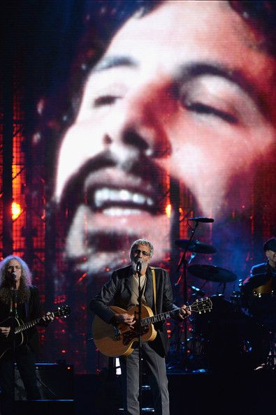 Yusuf Islam And Waddy Wachtel Photos Photos Rock And Roll Hall Of Fame Induction Show Cat Stevens Rock And Roll Islam