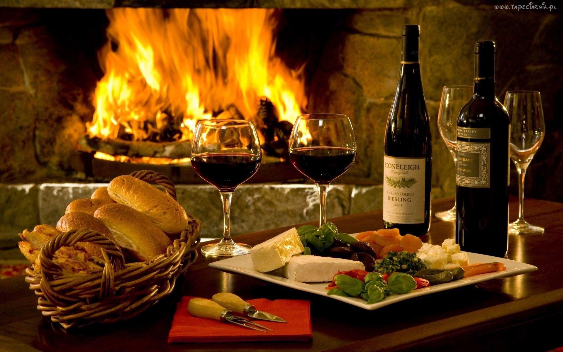 Wnetrze Kominek Ogien Wino Kieliszki Ser Bulki Wine Red Wine Romantic Dinners