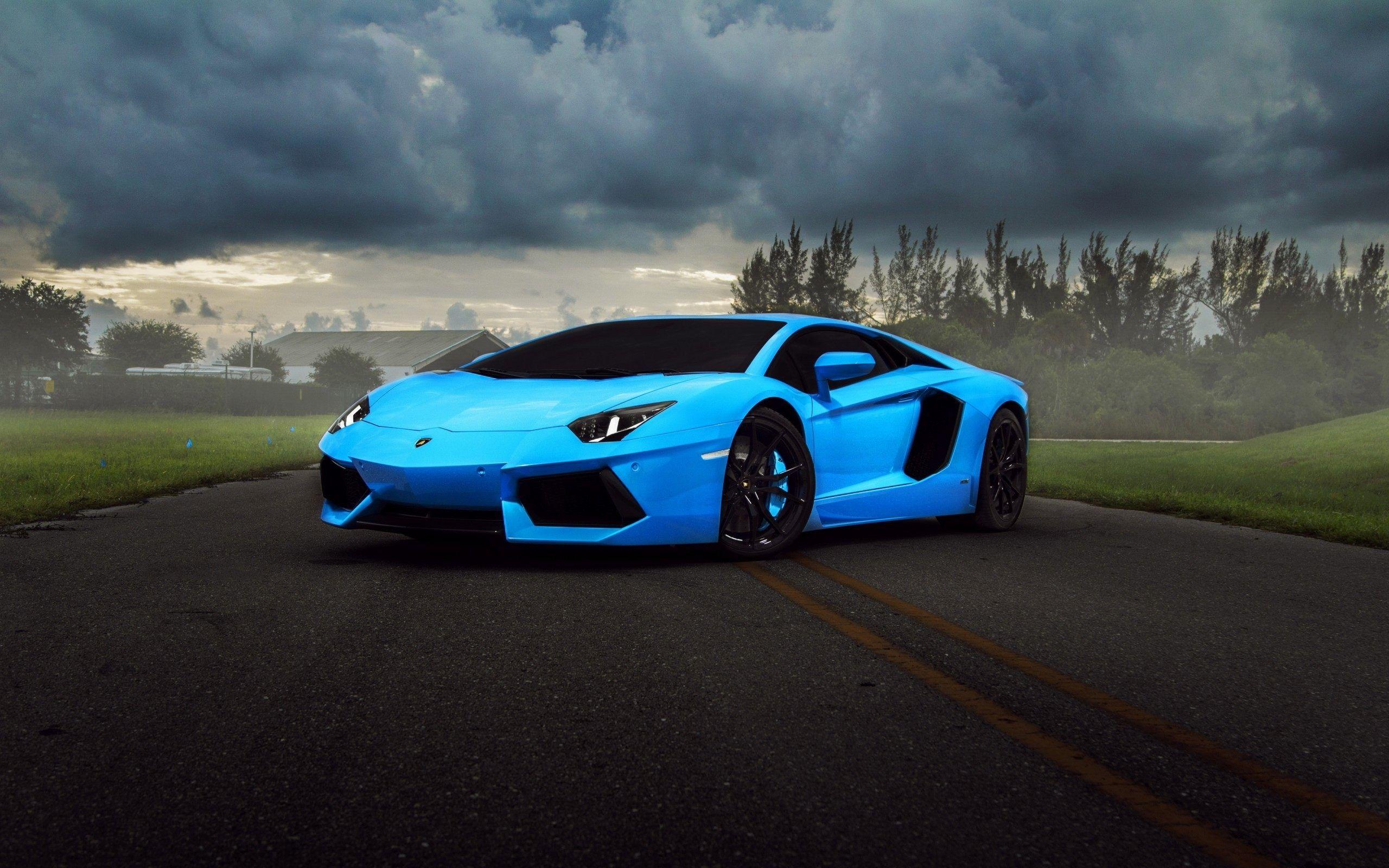 Luxury Car Dekstop Wallpaper Hd Blue Lamborghini Car Wallpapers Super Cars