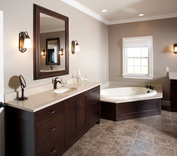 Master Bath With Cherry Wood Cabinets In 2020 Bathroom Color Schemes Wood Bathroom Wood Bathroom Cabinets