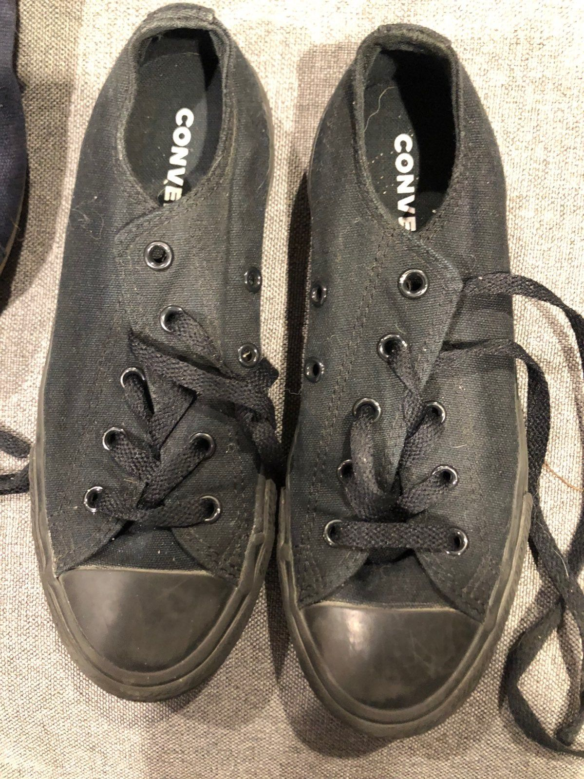 Youth converse size 2. Used only a
