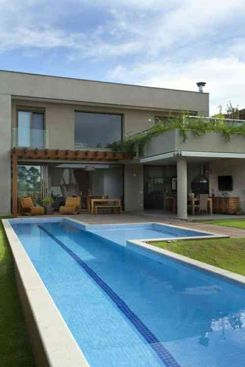 Idee De Deco Et Amenagement De Grande Piscine Pool Houses House Designs Exterior Architecture