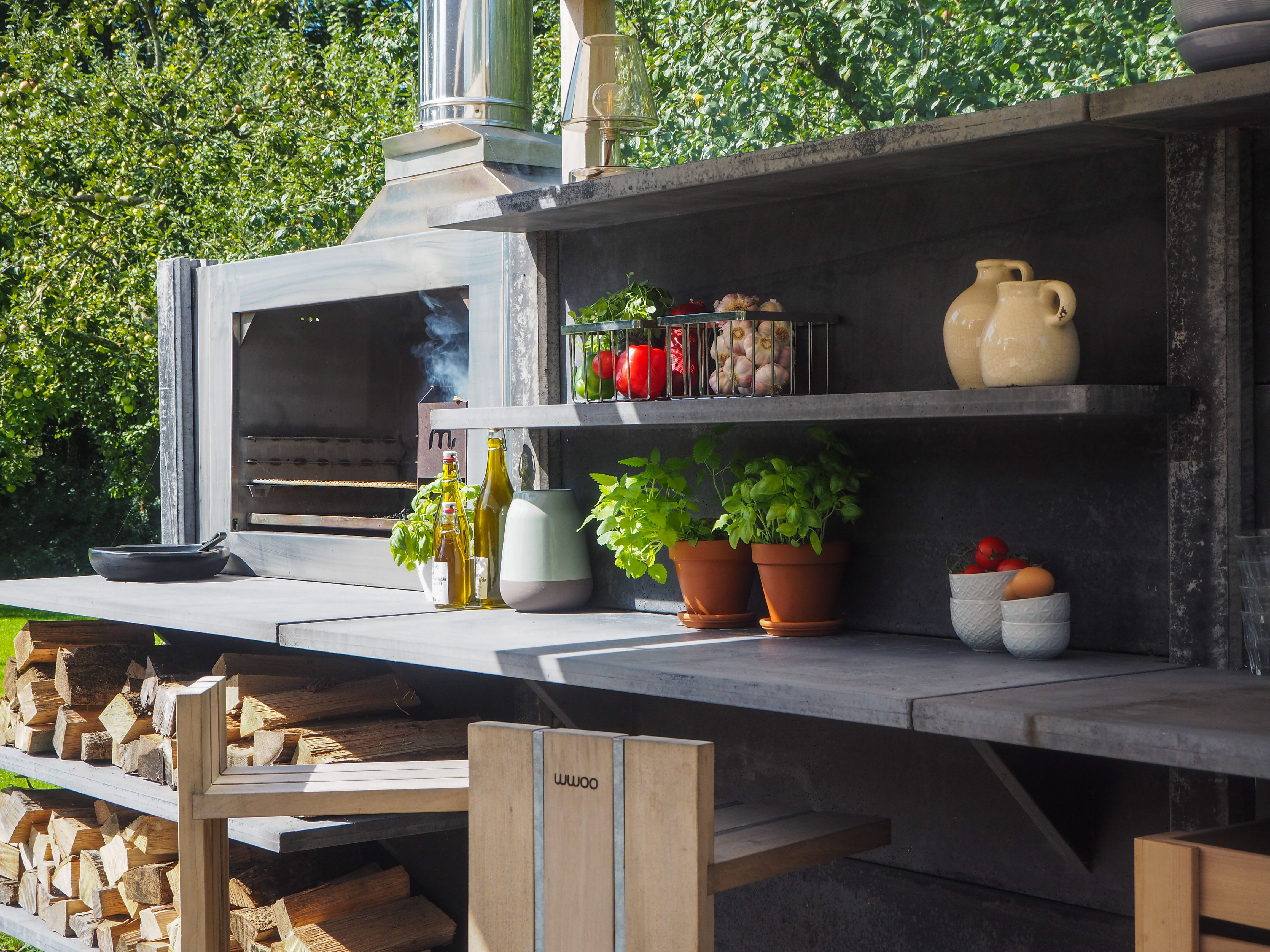 Wwoo outdoor kitchen in anthracite with the bar segment the braai