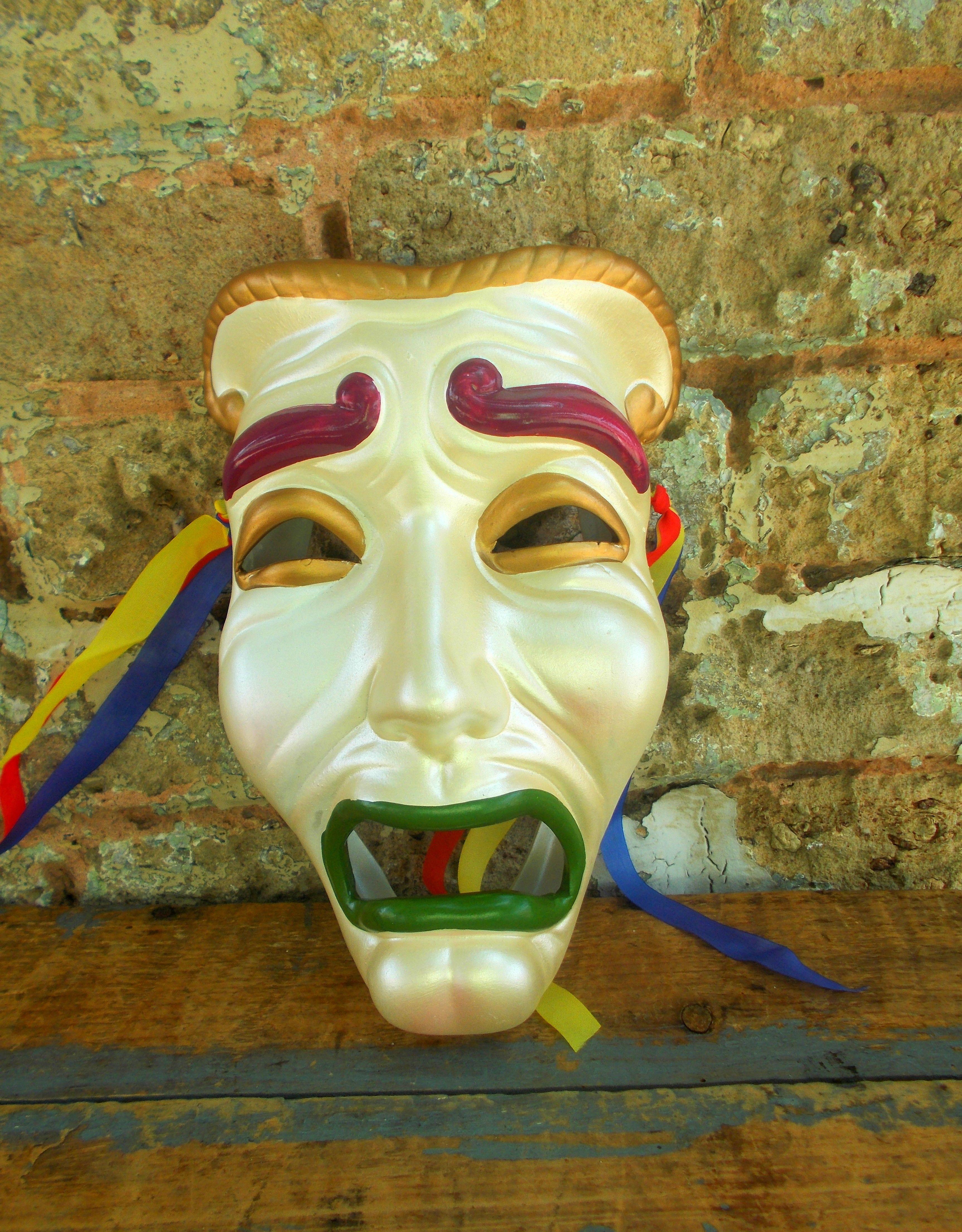 Ceramic Theater Tragedy Wall Mask - Mardi Gras Face Mask - Melpomene ...