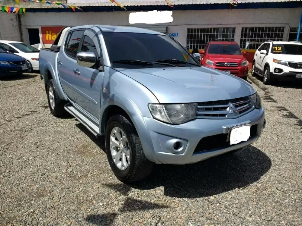 Compro Mitsubishi L200 En Guatemala Pick Up Mitsubishi L200 Sportero Mitsubishi L200 Guatemala