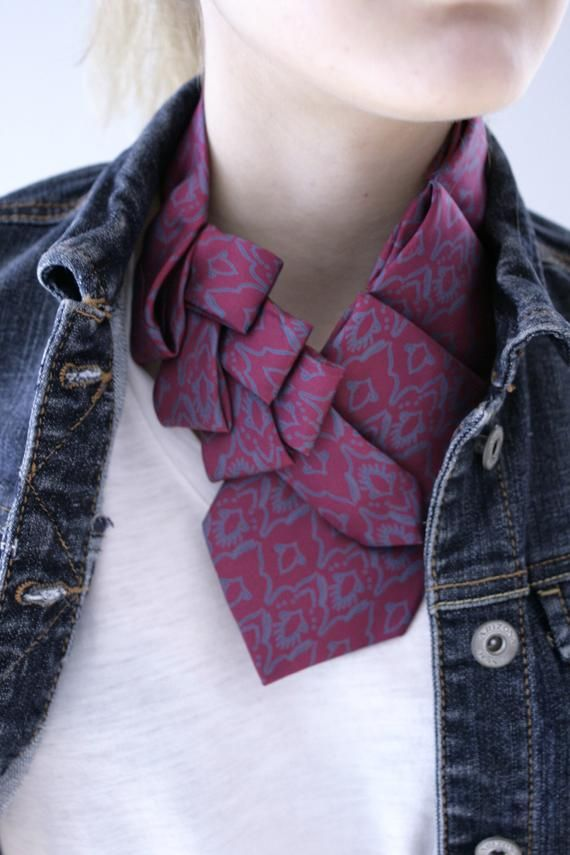 Photo of Frauen Ascot – Krawattenschal – Krawattenhalskette – Hipster-Bekleidung – Damen-Bürokleidung – Magenta und Blaugrün Lauren-Schal. 5