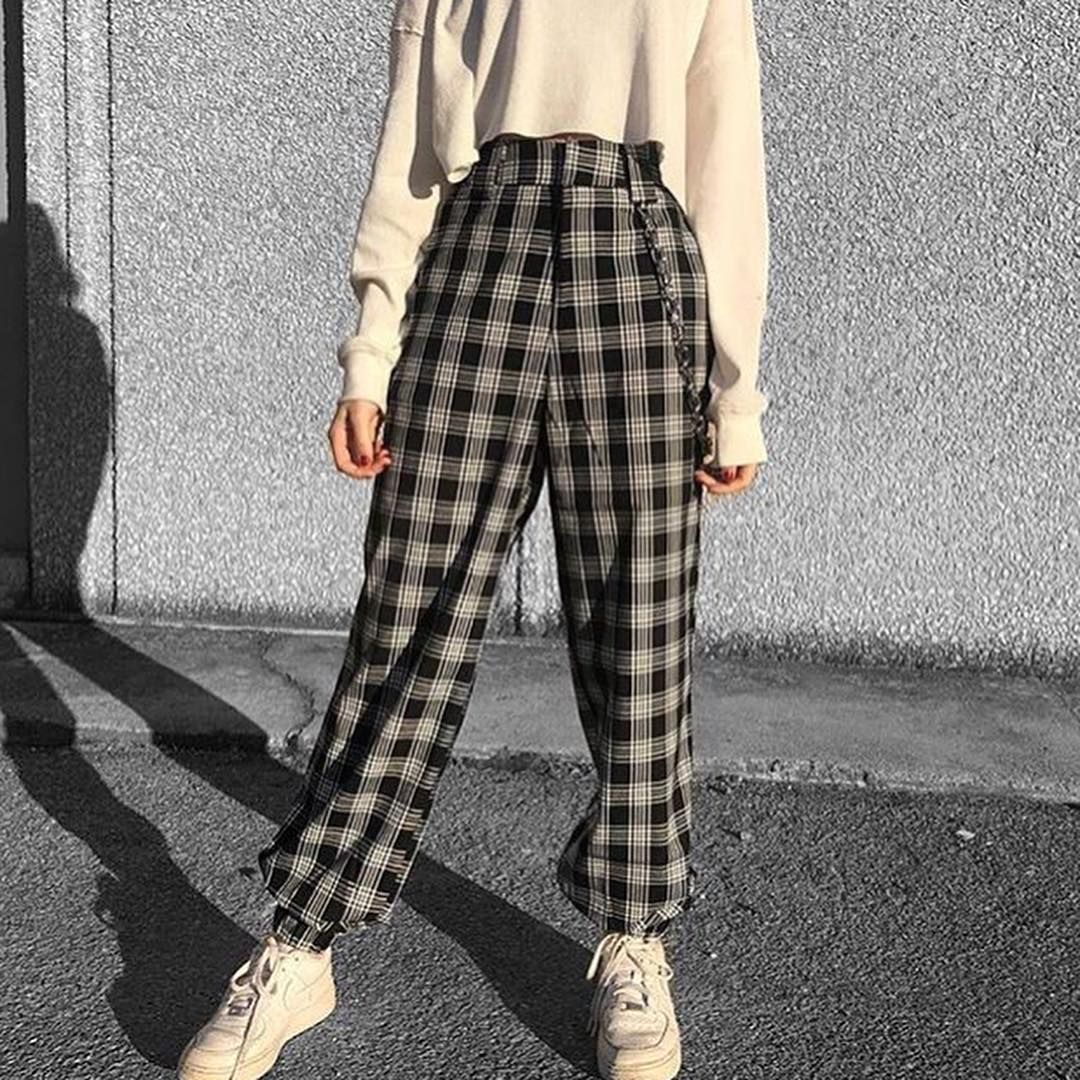 Aesthetic Lil Babe On Instagram 1 2 3 Or 4 Follow Oldaestheticcc For More Tags Vintage Aes Fashion Inspo Outfits Aesthetic Clothes Edgy Outfits