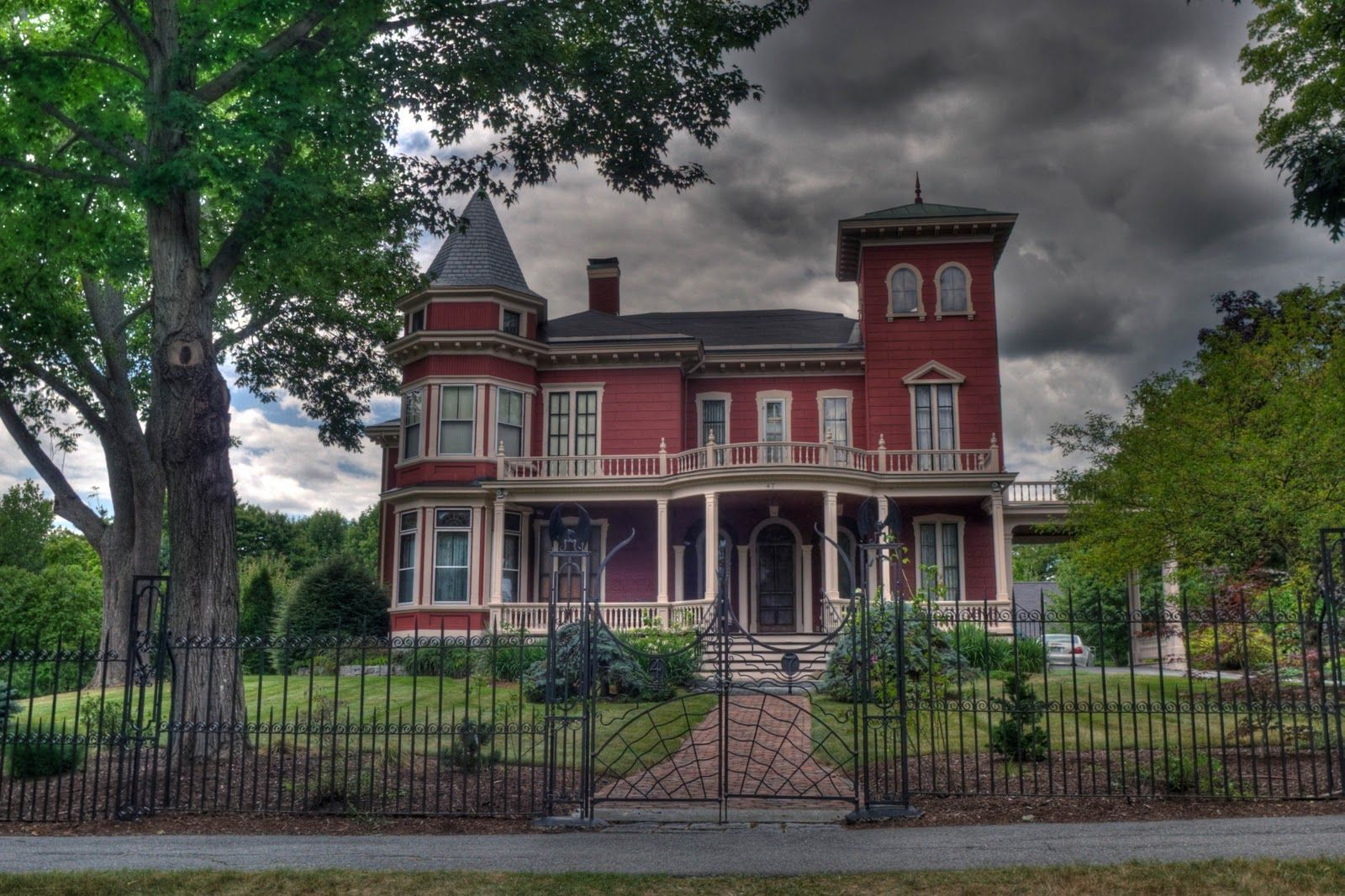 Stephen King's house in Bangor Maine | Daily(ish) Photo ...