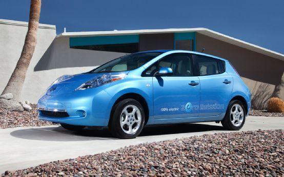 Report 2013 Nissan Leaf May Boast 25 Percent Range Boost Cheaper Base Model With Poll Nissan Leaf Nissan 2012 Nissan Leaf