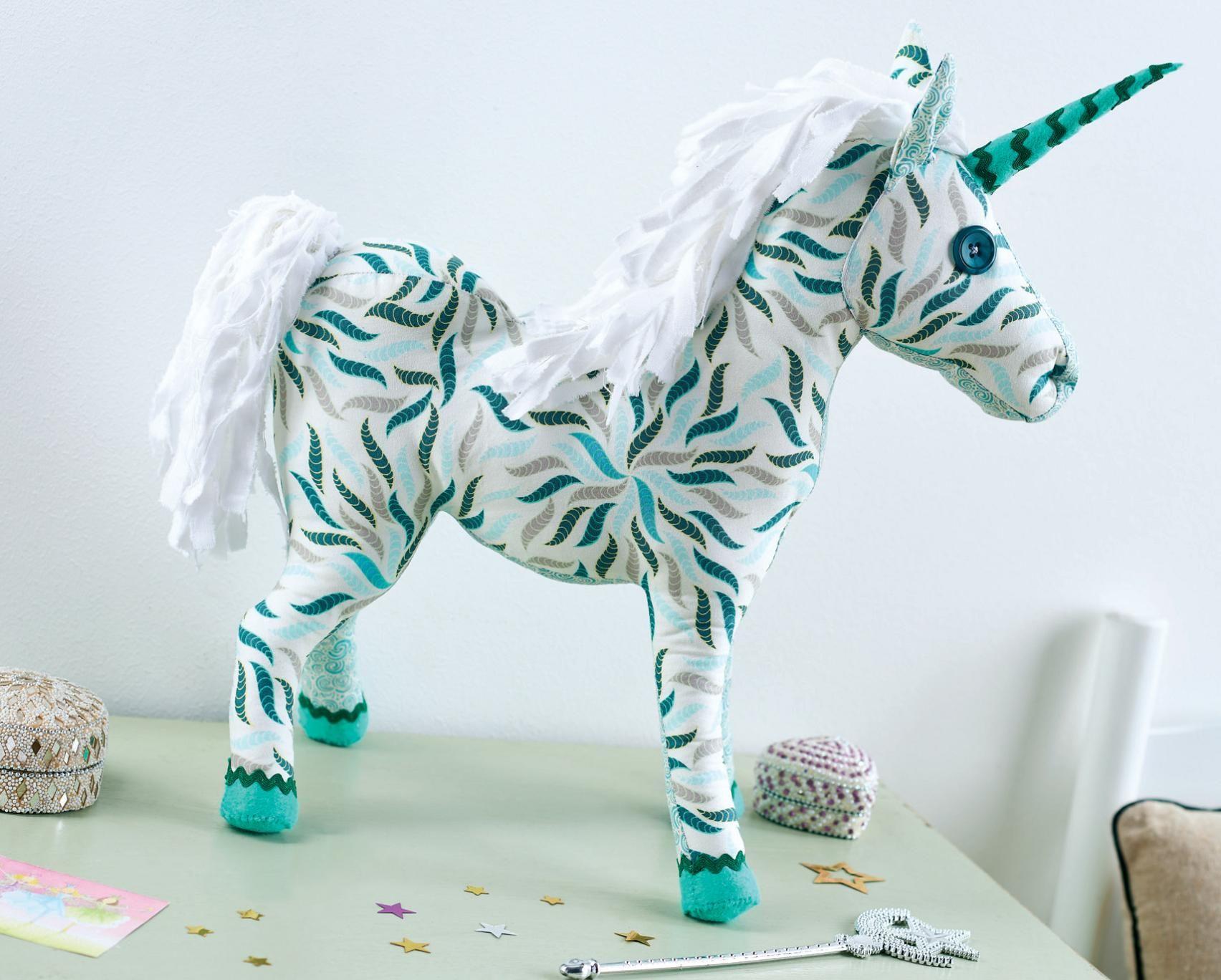 Fabric Unicorn - Stofftier Einhorn / Pferd nähen | New | Pinterest ...