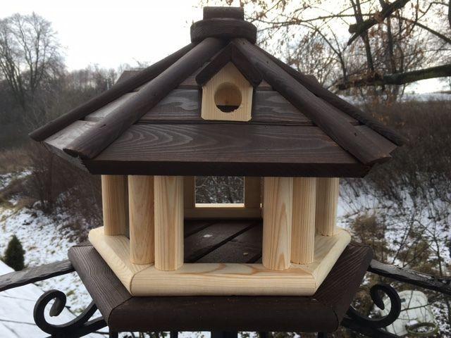 Das Vogelhaus (fertig montiert)ist mit Holzschutz