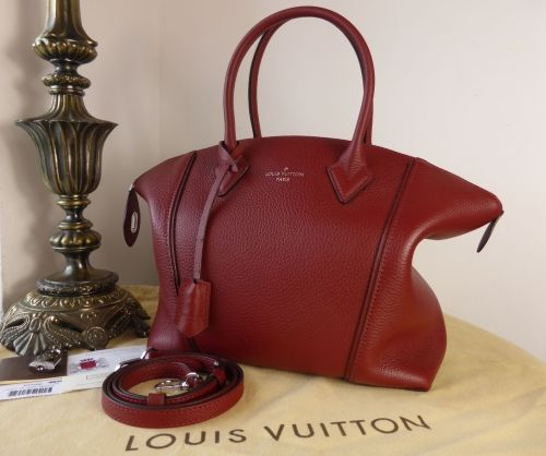 Louis Vuitton Lockit PM in Griotte Taurillon > https://www.npnbags.
