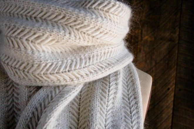Jasmine Scarf // Soft & fluffy knit in caliper cable weave