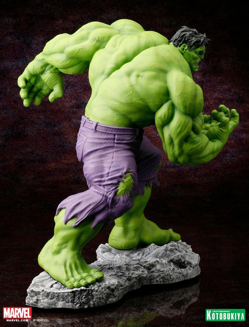 Marvel Comics Hulk Classic Avengers Fine Art Statue