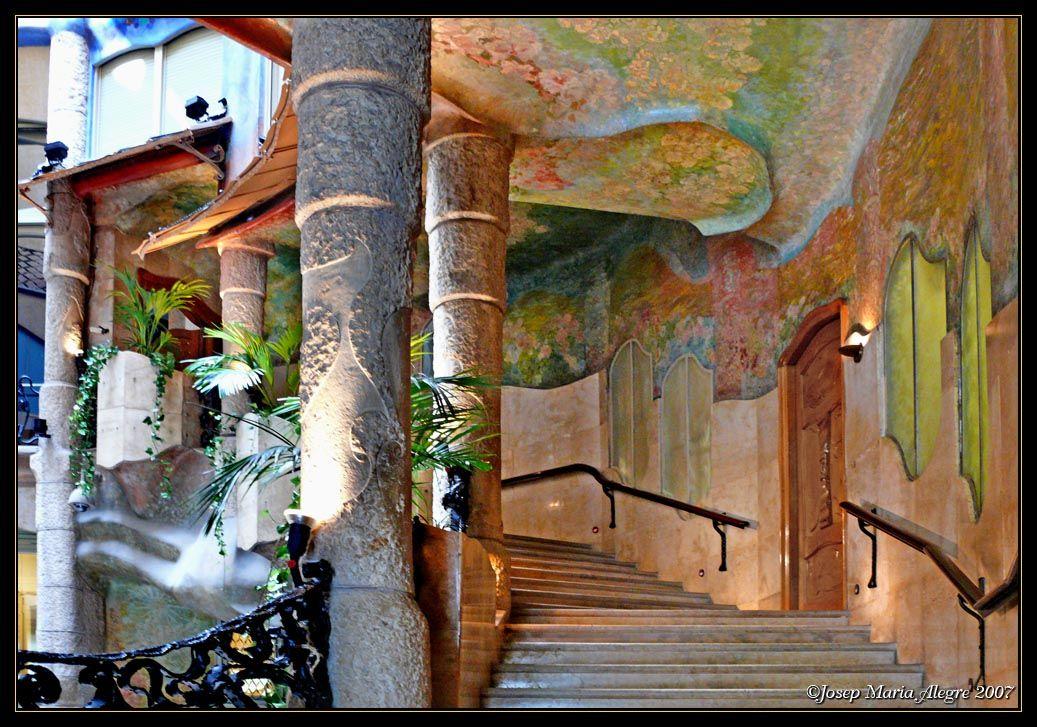 More staircase at casa mila interior - Google Search | ардеко и ...