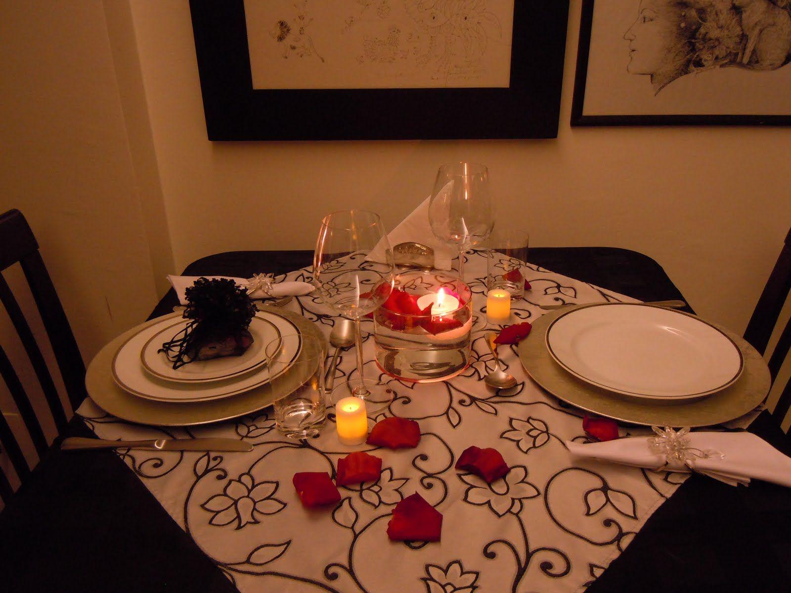 Extremamente Quatro lindas mesas para inspirar você a preparar um jantar  HJ43