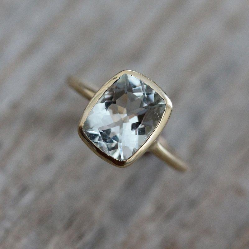 Anillo de almohada con aguamarina, anillo de compromiso de oro amarillo, anillo de piedra natal de marzo para ella, joyería de oro rosa con aguamarina, anillo de bisel de oro ecológico