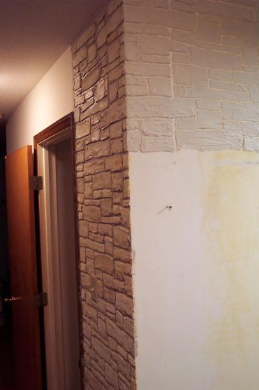 Plain walls are transformed in to stone walls with joint - Wandfarbe stone ...