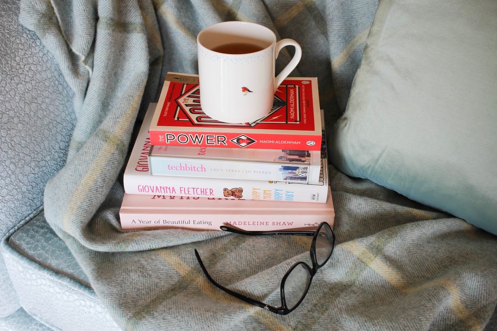 As Autumn approaches, this book haul will keep you snuggled up and entertained as the evenings draw in. Madeleine Shaw, Giovanna Fletcher and Paige Toone (to name a few!)
