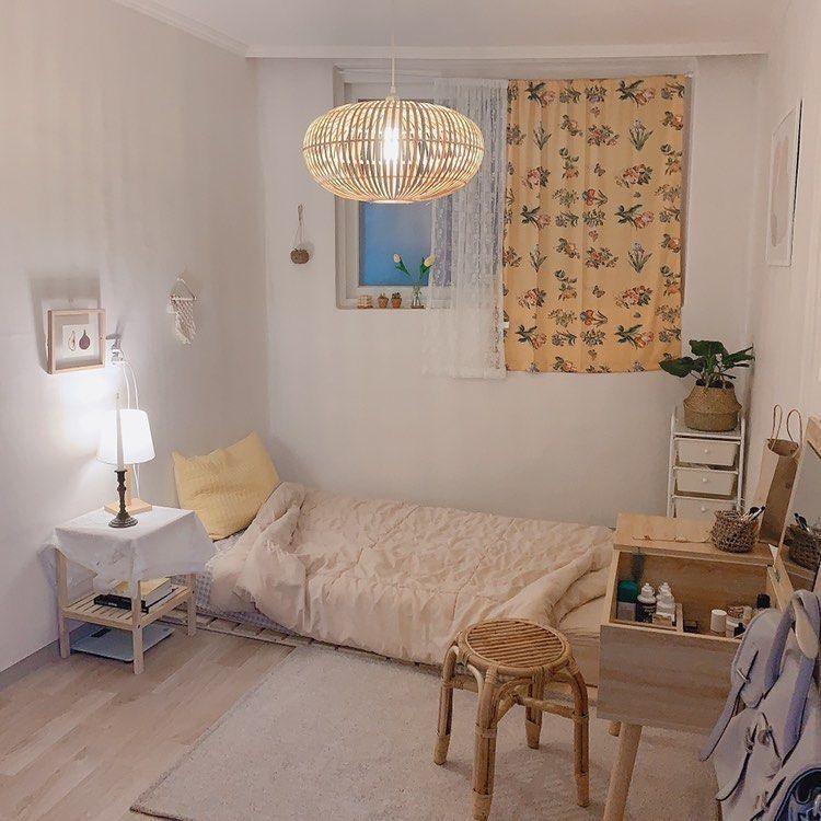 Minimalist small bedroom interior design