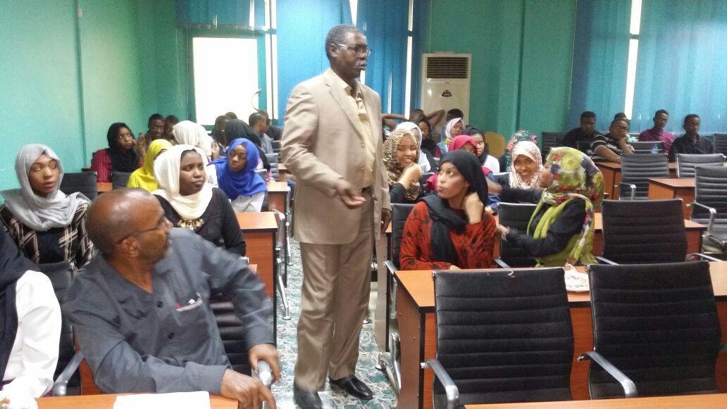 وصول بعثة الطلاب السودانيين من مدرستي السودان بطرابلس وبنغازي لاداء امتحانات الشهادة السودانية بالخرطوم .