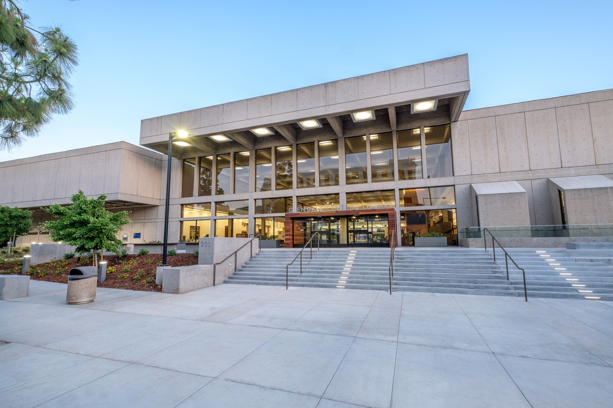 Glendale Central Library Renovation Project In Glendale California For City Of Glendale By Kemp Brothers Construct Building Design Central Library Renovations