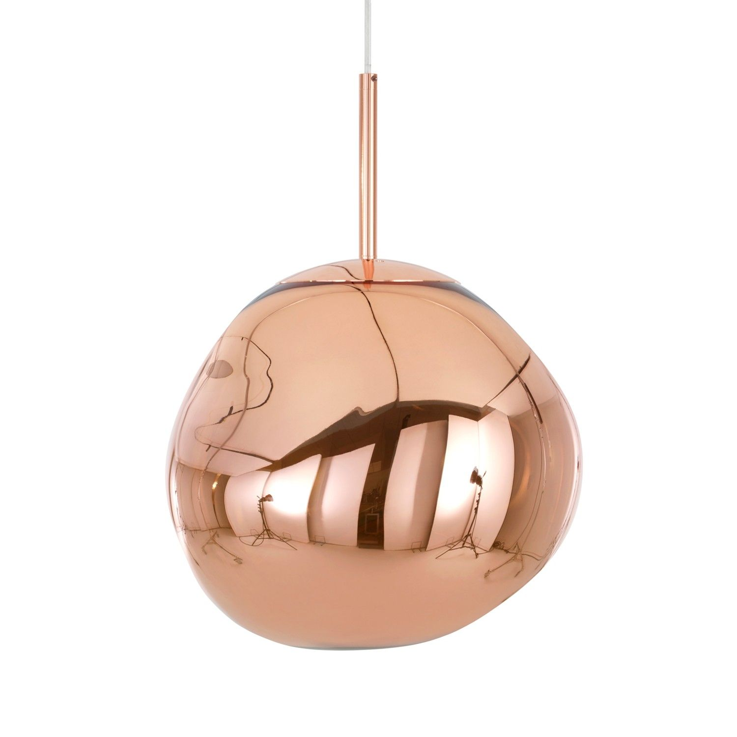 With Melt Tom Dixon S Experiments In The Technologically Advanced Field Of Vacuum Metallisation Ta Copper Pendant Lights Tom Dixon Melt Ceiling Pendant Lights